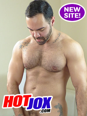 Check Out Hot Jox